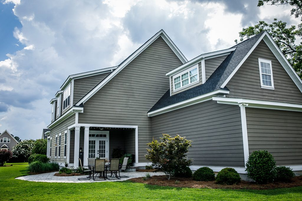 WNY company, WNY roofing, roofing, siding, siding services, warning signs siding needs to be replaced, damaged siding, siding contractors, siding installation, siding installation near me